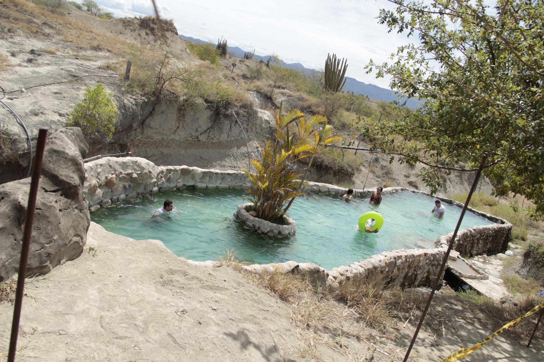 Juan david escobar viaje a san agust n segundo d a for Cubas de agua para piscina