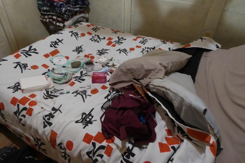 cama revolcada 01, robo