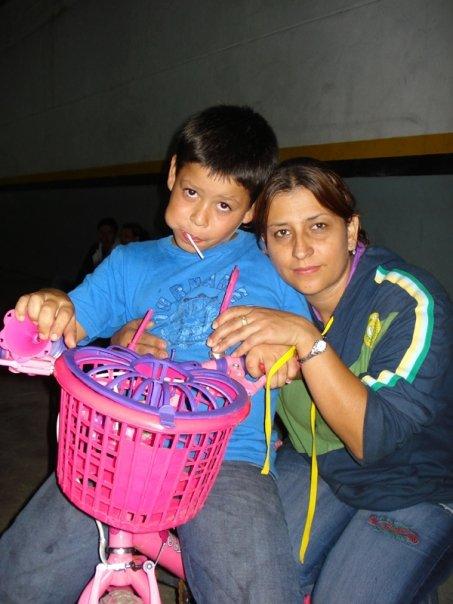 Luz con Carlitos muy felices